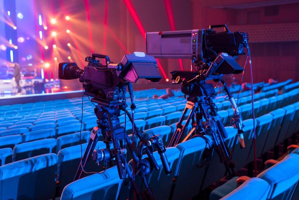 telecamere puntate sul palco eventi