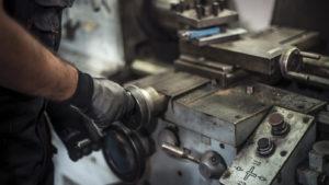 Lavoro ripetitivo e movimentazione nel settore meccanico