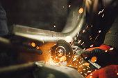 Lavoro ripetitivo - movimentazione nel settore meccanico